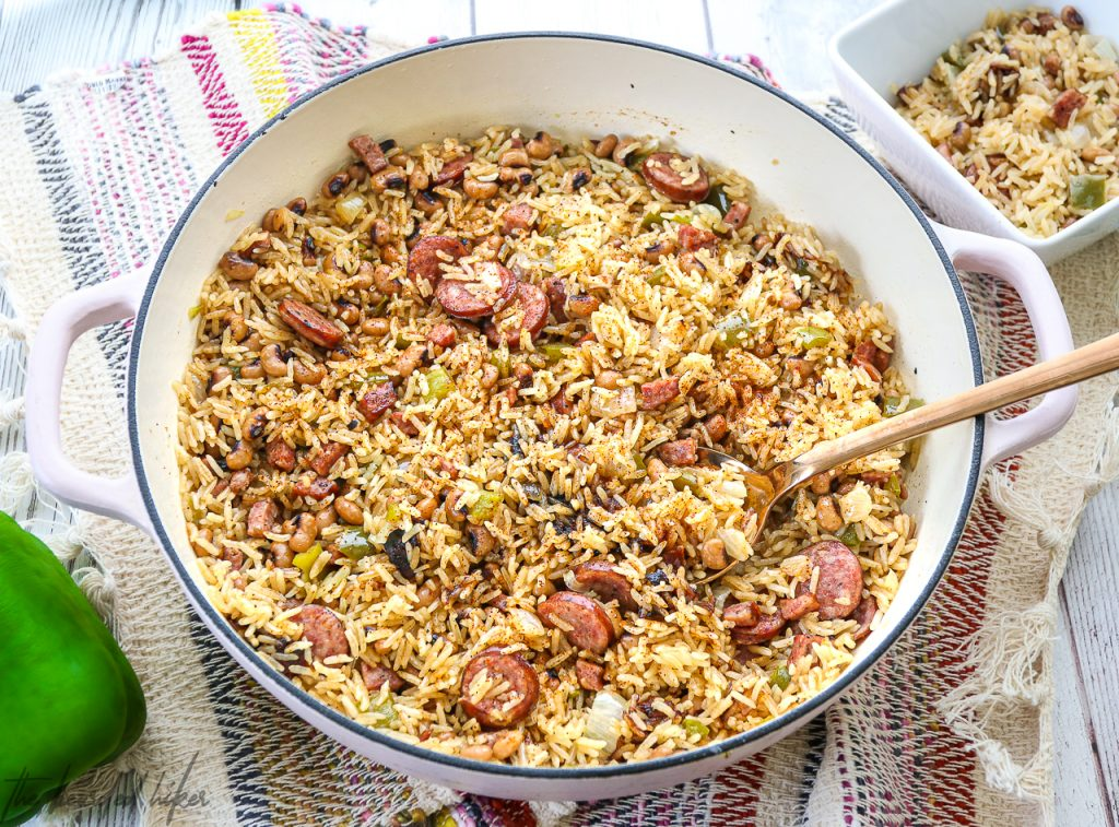Cajun Black-Eyed Pea Jambalaya in your rice cooker!  Just toss all the ingredients in and you're good to go!